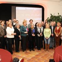 Účastníci medzinárodnej konferencie Závislosti a staroba